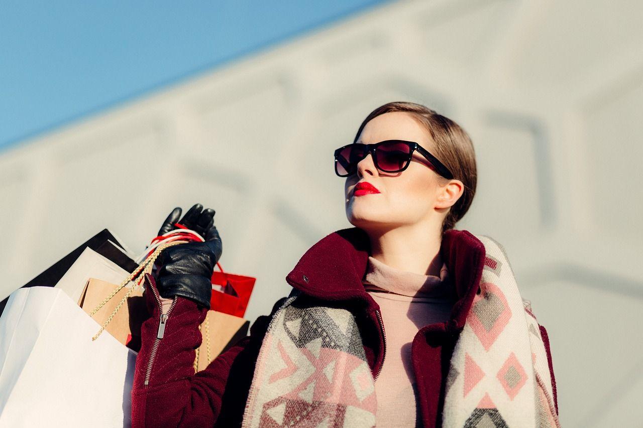 Jak znaleźć swój niepowtarzalny styl i wyglądać modnie?