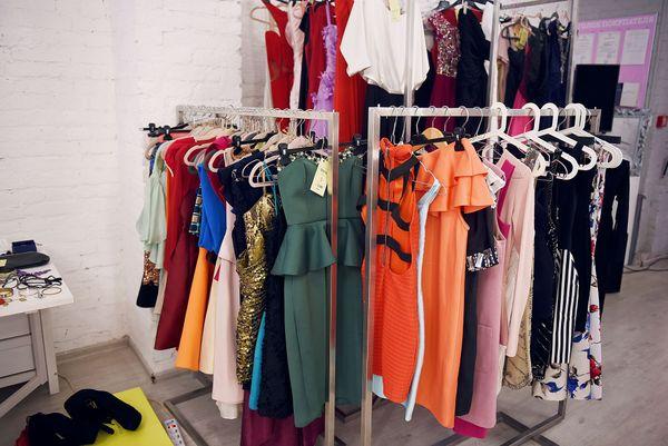 Sukienki dla różnych Pań i na różne okazje